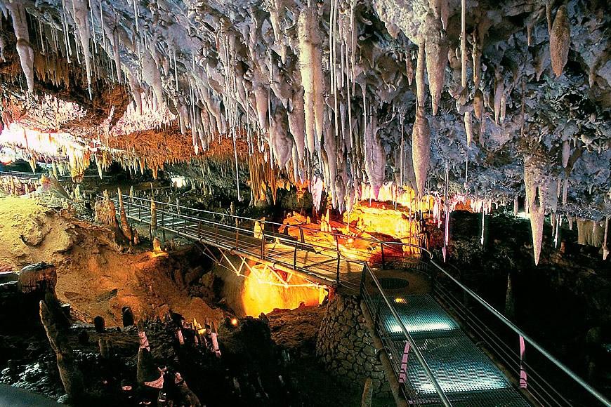 La espectacular Cueva del Soplao, a 35 minutos de Casa Junco